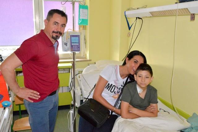"""Piotruś jest podopiecznym fundacji """"Skrzydlaci Dzieciom"""". Pieniądze zebrane na festynie zostaną przekazane na leczenie."""