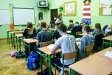 Nowa podstawa programowa dla liceum i technikum - co się zmieni? Zwiększa się liczba godzin lekcyjnych