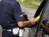 Pijany kierowca prosił policjantów, aby nie wzywali... policji, bo nie ma prawa jazdy