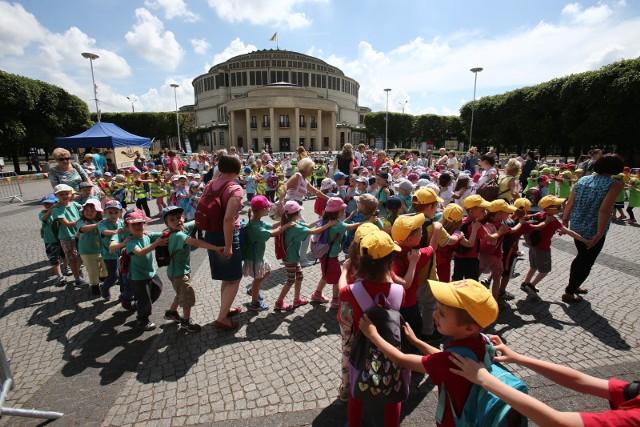 W zeszłym roku impreza z okazji Dnia Dziecka odbyła się m.in. pod Halą Ludową