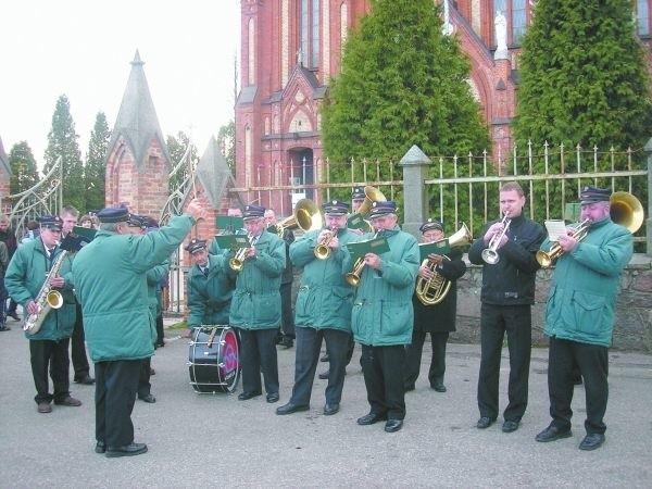 Orkiestra ZNTK towarzyszyła mieszkańcom regionu podczas różnych uroczystości. Teraz wraz z upadkiem firmy przestała istnieć