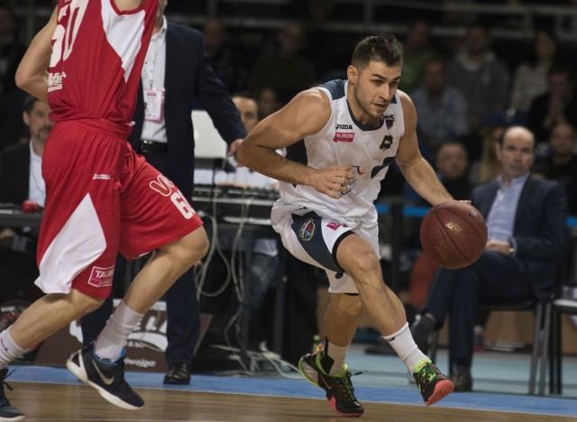 Kamil Michalski w sparingu ze Stalą bardzo dobrze zagrał w ataku i obronie.