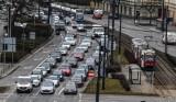 Miasta najbardziej przyjazne kierowcom. Toruń i Bydgoszcz na końcu zestawienia [Ranking 2021]