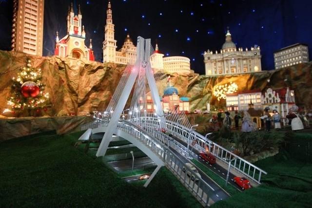 Jak wyglądają szopki bożonarodzeniowe, które można podziwiać na Podkarpaciu? Zobaczcie galerię zdjęć! Jeśli sami zrobiliście zdjęcie jakiejś pięknej szopce, przesyłajcie zdjęcia na: alarm@nowiny24.pl