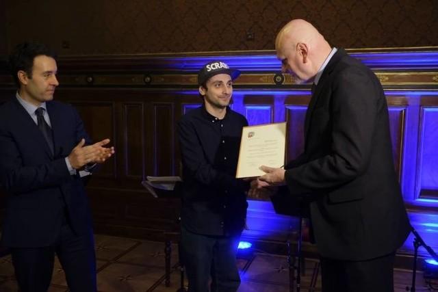 DJ Chmielix otrzymał w tym roku 9 tys. zł stypendium.