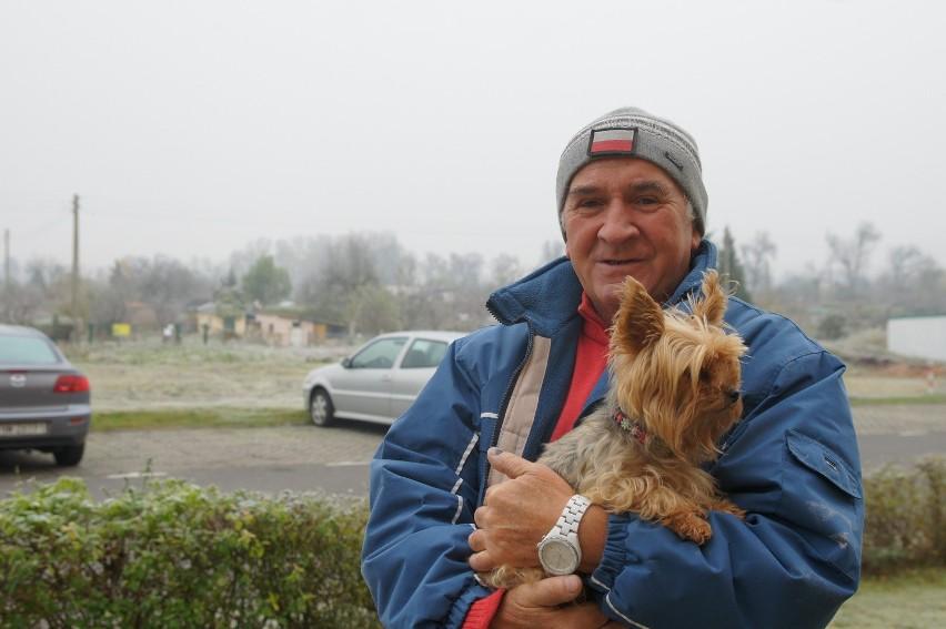 Eugeniusz Głowacki z Nowej Soli cieszy się, że będą inwestycje nad Odrą w Nowej Soli. W poprzedniej powodzi stracił jeża