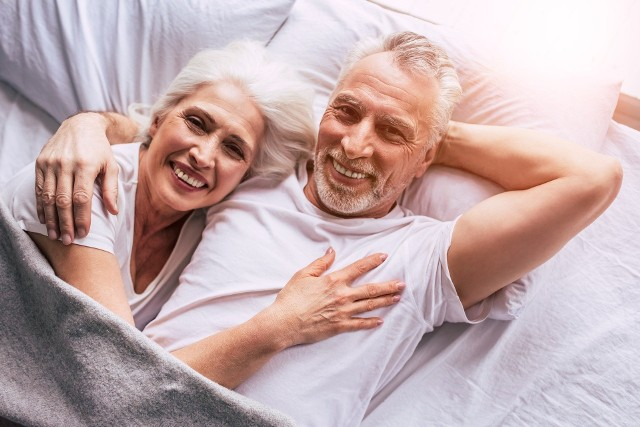 Większość seniorów uważa udany seks za ważny aspekt życia