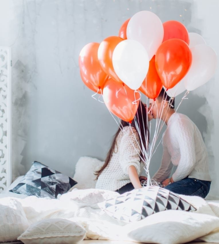 Walentynki: wiersz, romantyczna kolacja, trafiony prezent od serca i… świeży oddech