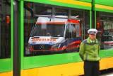 Zderzenie samochodu z tramwajem na rondzie Śródka