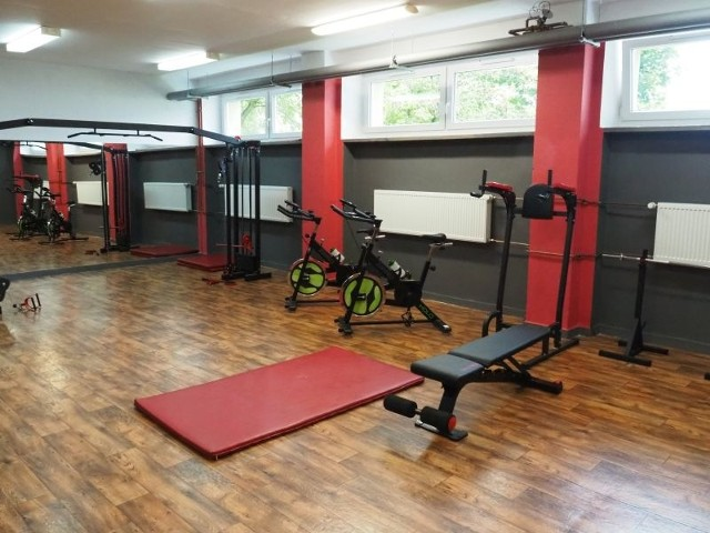 Oto nowa siłownia w Szkole Podstawowej nr 205 w Łodzi. Będzie służyć nie tylko uczniom, ale też ich rodzicom.