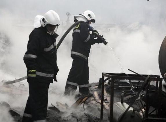Mężczyzna spłonął w samochodzie. Śmiertelny pożar w gm. Brójce