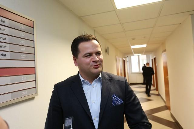 Paweł Backiel jest przewodniczącym Białostockiej Rady Działalności Pożytku Publicznego. Uważa, że władze rzucają mu kłody pod nogi. - Prezydent nie zgodził się na szkolenia z przedstawicielami ministerstw.