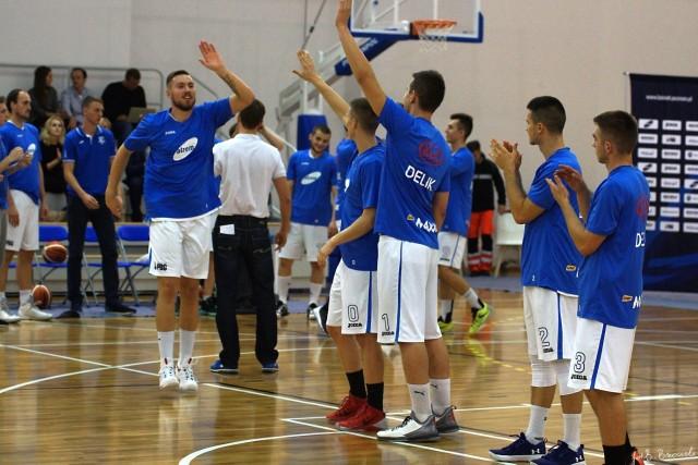 Koszykarze Biofarmu na razie mają wyjątkowe szczęście do wyjazdowych konfrontacji z Legią