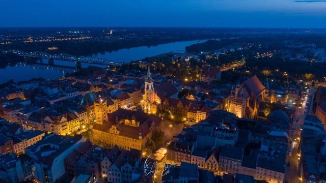Zobaczcie jak niesamowicie prezentuje się Toruń na zdjęciach z drona. Fotografie publikujemy dzięki uprzejmości Focus Art, Wex Studio oraz Dragon Eye - drone photography. Zobaczcie!