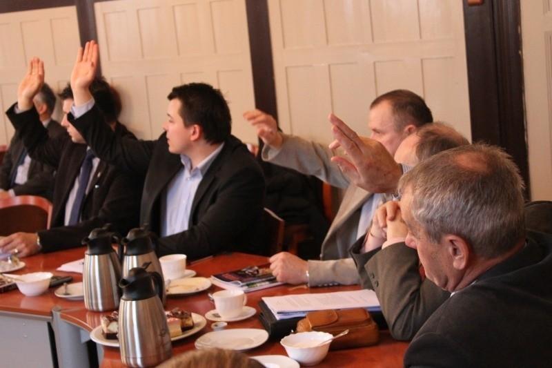 Sesja rady powiatu w Oleśnie