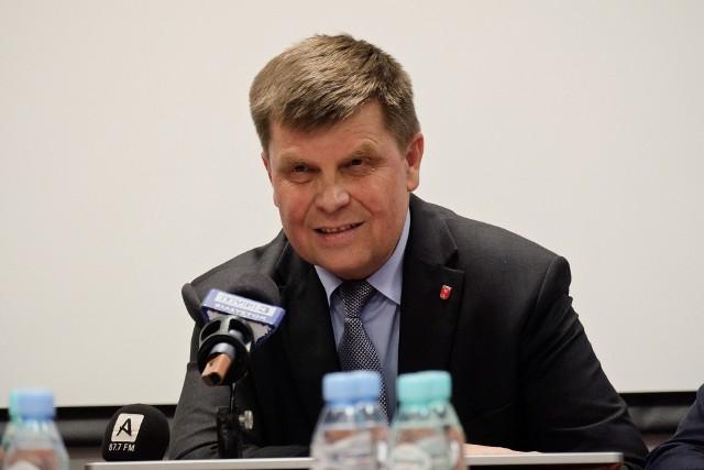 Marszałek województwa podlaskiego broni zarządu w sprawie niskiej frekwencji na referendum