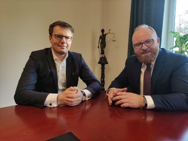 Marcin Chodkowski i Mateusz Karliński z Kancelarii Adwokackiej Karliński Chodkowski Wujak w Kielcach.