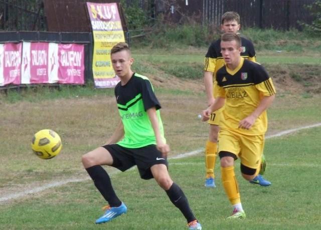 Piłkarze Górnika Libiąż (żółto-czarne stroje) wygrali swój pierwszy jesienny mecz.