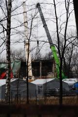 Niepokojące słowa prezydenta Krakowa. Beton jest tak spalony, że po silniejszym dotknięciu rozsypuje się proch