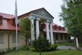 Arcybiskup Sławoj Leszek Głódź ma pałac w podlaskiej wsi Bobrówka. Posiadłość jest warta miliony złotych (ZDJĘCIA)