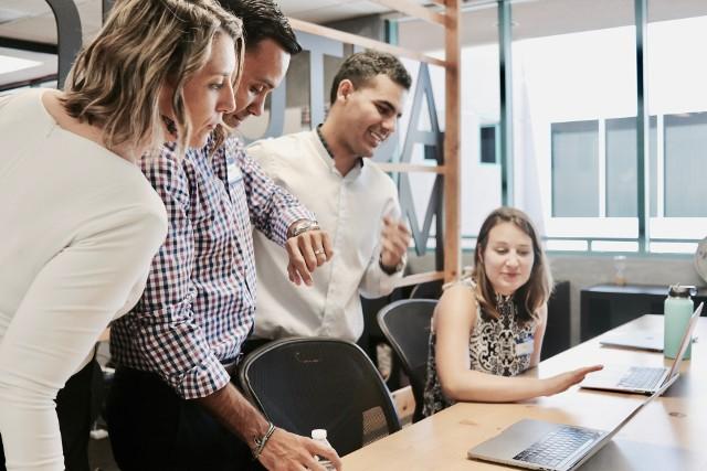 Zastanawiasz się, z jakiego rodzaju wyzwaniami będziesz musiał zmierzyć się w pracy? Rozważasz zmianę stanowiska? Zapoznaj się z trendami na rynku pracy w 2020 roku.