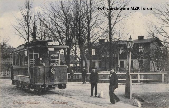 Budynek Urzędu Gminy Mokre przy Amt Strasse, czyli ulicy Urzędowej, przez Polaków nazywanej również Amtową