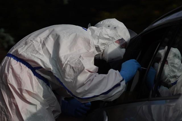 Wielkopolscy terytorialsi wykonali już ponad 100 tys. wymazów na obecność koronawirusa.