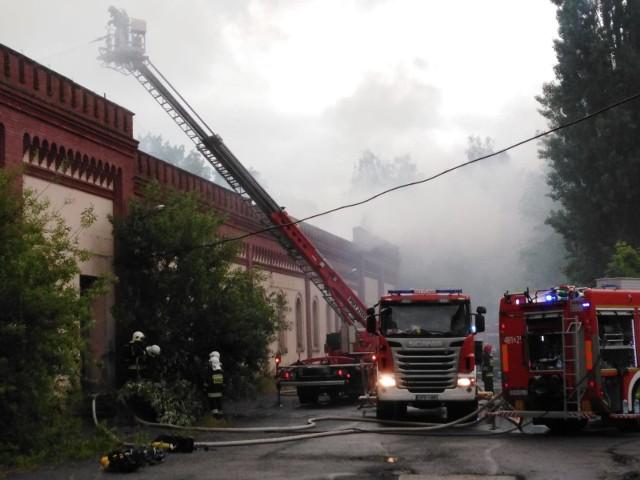 Pożar opuszczonej hali Frotex w Prudniku