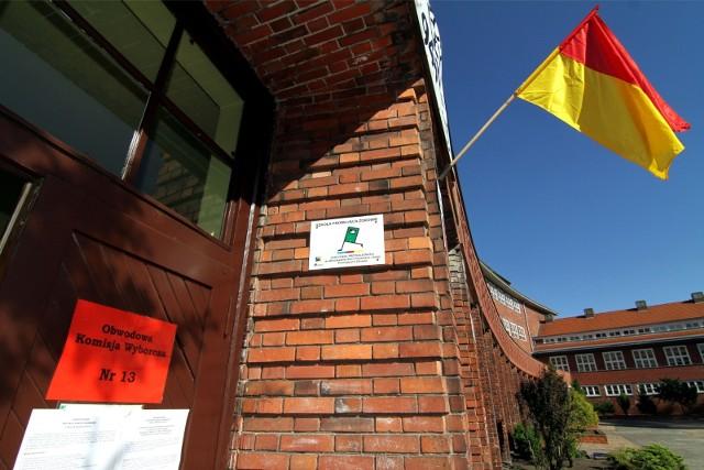 Wybory do rad osiedli we Wrocławiu. Jeden z lokali wyborczych.