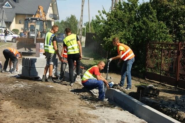 Ruszyły prace na ulicy Brzozowej.