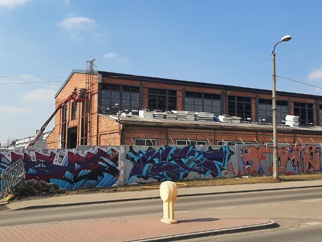 Trwa przebudowa starej hali Zametu w Piekarach Śląskich. Zobacz kolejne zdjęcia >>>