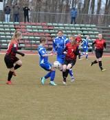 Piłka nożna kobiet. Piłkarki Sokoła Kolbuszowa Dolna zakończyły sezon. Nadal w dobrej formie jest Izolator Boguchwała