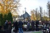 Abp Kupny odprawił mszę na cmentarzu przy Bardzkiej