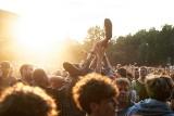 """OFF Festival Katowice 2020 odwołany. """"Zostajemy w domu, do zobaczenia za rok!"""". Organizatorzy podali nową datę festiwalu"""