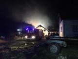 Ożary Wielkie. Pożar stodoło-obory. Strażacy uratowali 70 sztuk bydła (zdjęcia)