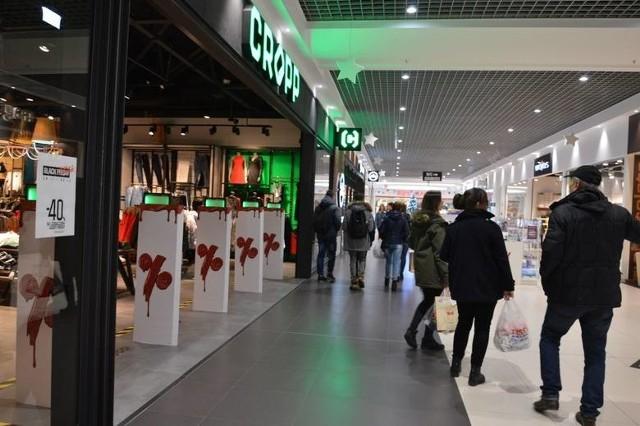 Od soboty, 28 listopada otwarte będą ponownie centra handlowe. Sklepy w Galerii Ostrowiec przygotowały na najbliższe dni mega promocje. Zobaczcie jakie!Informacje o promocjach na kolejnych slajdach>>>