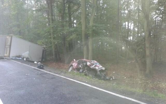 Do tragicznego wypadku doszło dzisiaj o godz. 6.50 na drodze krajowej nr 11 w Bąkowie.