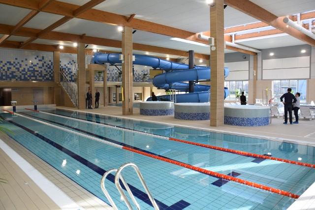 W Kędzierzynie-Koźlu są dwa obiekty gdzie pracują ratownicy: Wodne oKKo (na zdjęciu) i kryta pływalnia.