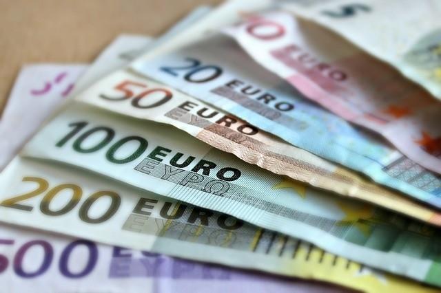 Minimum 800 euro netto za naukę zawodu: tyle Niemcy są gotowi płacić Polakom, którzy zdecydują się potem podjąć w ich kraju pracę.