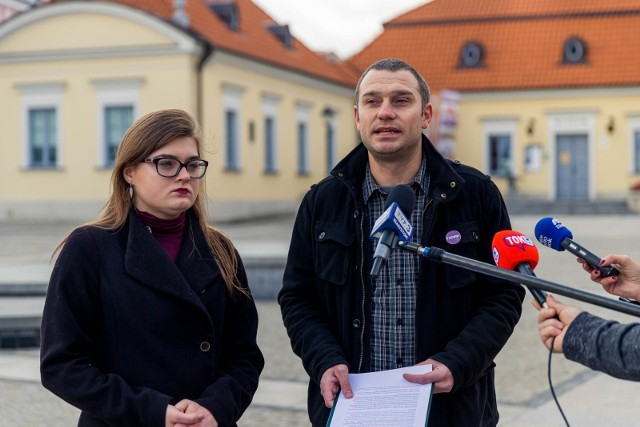 Lewica nie godzi się na to, by zakłamywać historię i używać jej jako narzędzia sterowania ludem, jak i nasilania konfliktów między mieszkańcami -mówiła Katarzyna Rosińska.