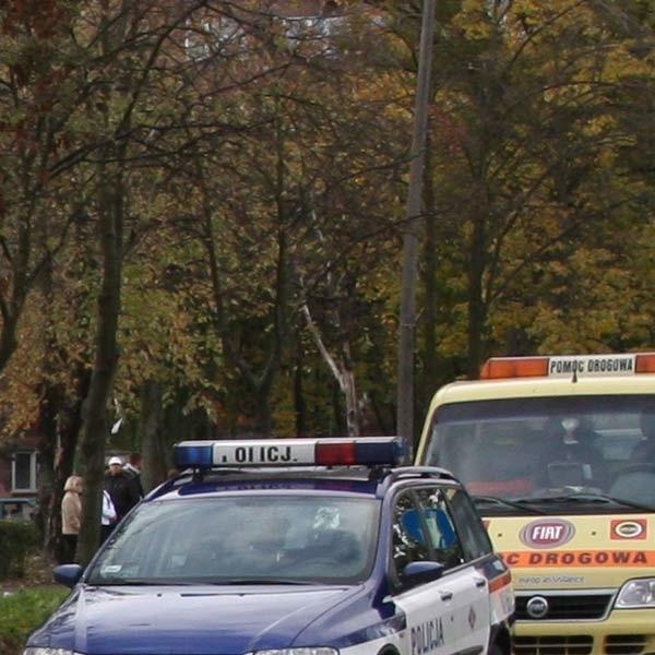 Dwie osoby ze skody i jedna z hondy karetką pojechały do szpitala.