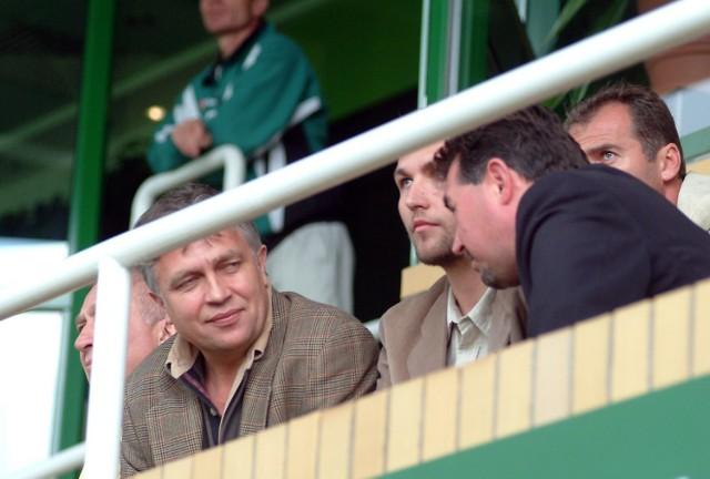 Antoni Ptak (z lewej) uważa, że opóźnianie wprowadzenia ligi zawodowej w Polsce działa na niekorzyść Pogoni.
