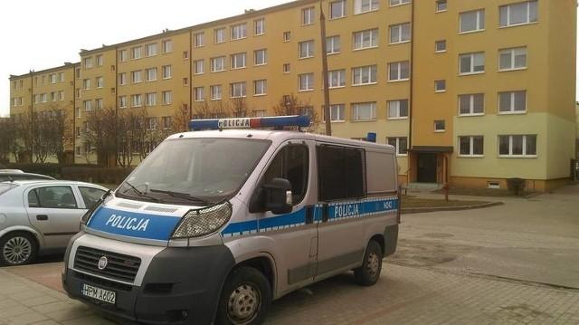 Porwanie kobiety i jej dziecka wydarzyło się w miniony czwartek pod tym blokiem na os. Dziesięciny w Białymstoku