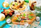 Przepisy na potrawy wigilijne: Barszcz, zupa grzybowa, ryby, pierogi, makowiec, kompot z suszu. Sprawdź 12 tradycyjnych dań na Wigilię