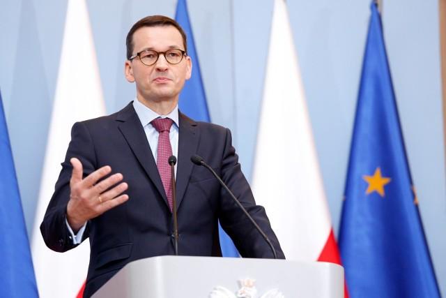 """Premier Mateusz Morawiecki zapowiada zwiększenie zasiłku dla bezrobotnych i wprowadzenie """"osłony solidarnościowej"""""""