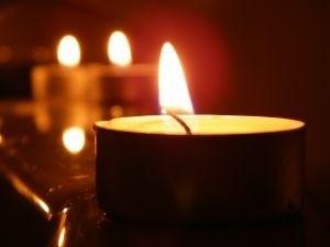 Handel Lampa Alladyna Poświeci Na Cmentarzu Dłużej Niż
