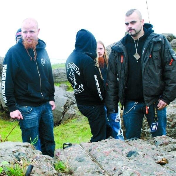"""W ruinach bunkra kapitana Raginisa kapela poczuła dopiero to, o czym śpiewają w słynnym utworze """"40:1"""""""