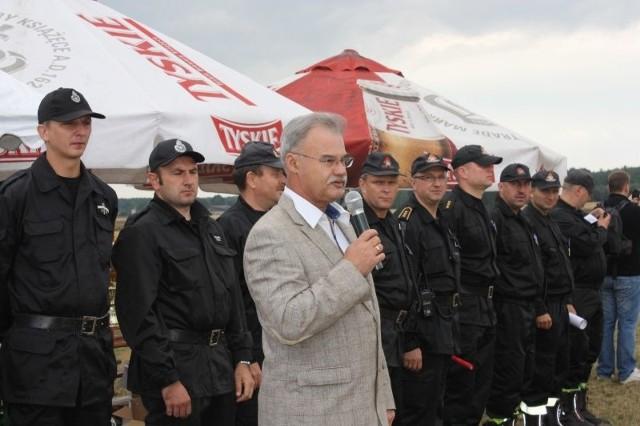 Wiceminister Stanisław Rakoczy przyznał dodatkowe nagrody dla najlepszych strażaków