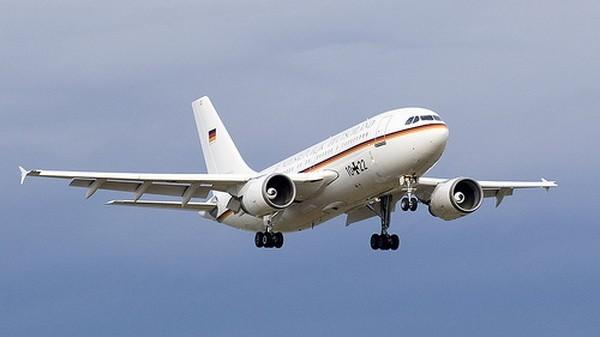 """Airbus A310 """"Konrad Adenauer"""" (samolot rządowy Niemiec, wykorzystywany przez kanclerz Angelę Merkel)Rok produkcji: 1985 (na zlecenie NRD)Planowane uziemienie: 2010-2011"""