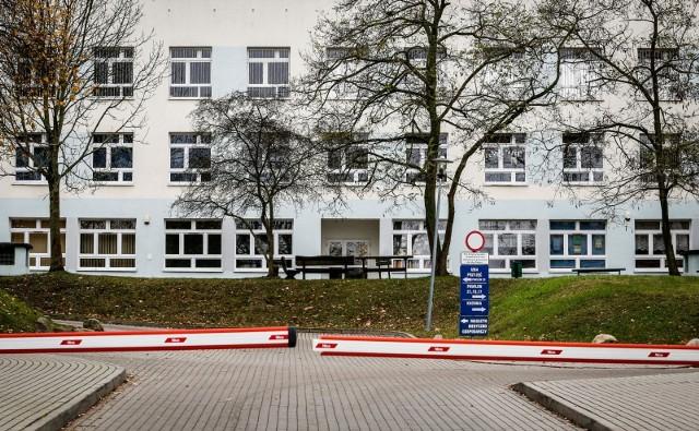 Koronawirur w szpitalu na Srebrzysku w Gdańsku. Wirusa SARS-CoV-2 wykryto u 15 osób z personelu